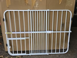 New safety gate with pet door only 35 Firm