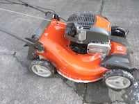 Huskaquarna self propelled push mower