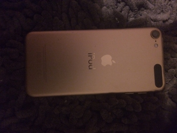 65b6ff00b5d Used iPod touch 5th generation 175-OBO for sale in Kelowna - letgo