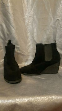 Black heeled boots 22 km