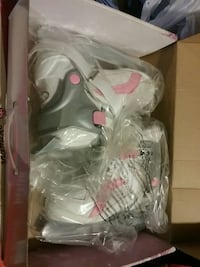 Girls ice skates adjustable up to 4 sizes North Haven, 06473
