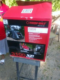 red and black Husky tool chest Tacoma, 98404