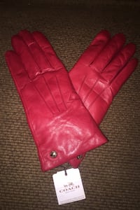Coach leather gloves Surrey, V3W 1M8