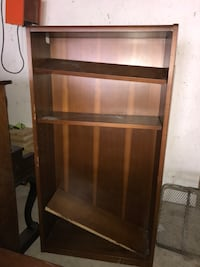 Brown wooden 5-layer shelf Winnipeg, R2K 0L4