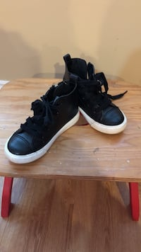 Pair of black leather high tops Langley, V1M