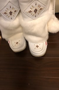 Leather/Fur Boots Size 7 Like New