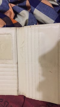 I am selling my old guess wallet