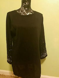 Womens large top jeweled sleeves  Rockford, 61108