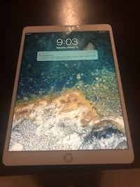 10.5 inch IPad Pro mid 2018 64gb smart keyboard and Apple pencil Clifton, 22030