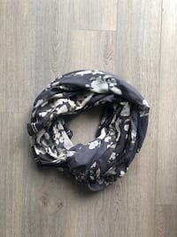 NEW OLD NAVY Light Scarf Markham, L3R 0G3