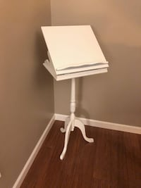 White wooden music display stand Langley, V3A