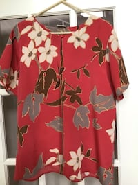 Size 14 blouse.  Like new. Hagerstown, 21742