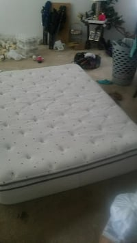 Full size mattress with pillow top Houston, 77033