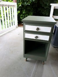 Night stand /end table Coquitlam, V3J 3P9