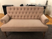 Tufted loveseat couch 403 mi