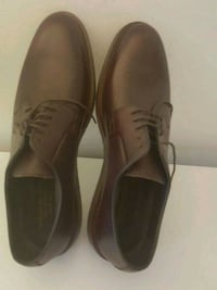 pair of brown leather dress shoes Warminster, 18974