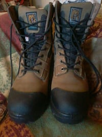 Steel--toed work boots 719 km