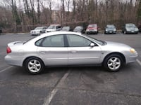 Ford - Taurus - 2000 Suitland-Silver Hill