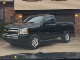 """17"""" Rims tires and center cap.6 bolt pattern for chevy truck ."""