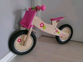 Good as new Princess Runner Wooden Balance bike for sale in Plateau M.