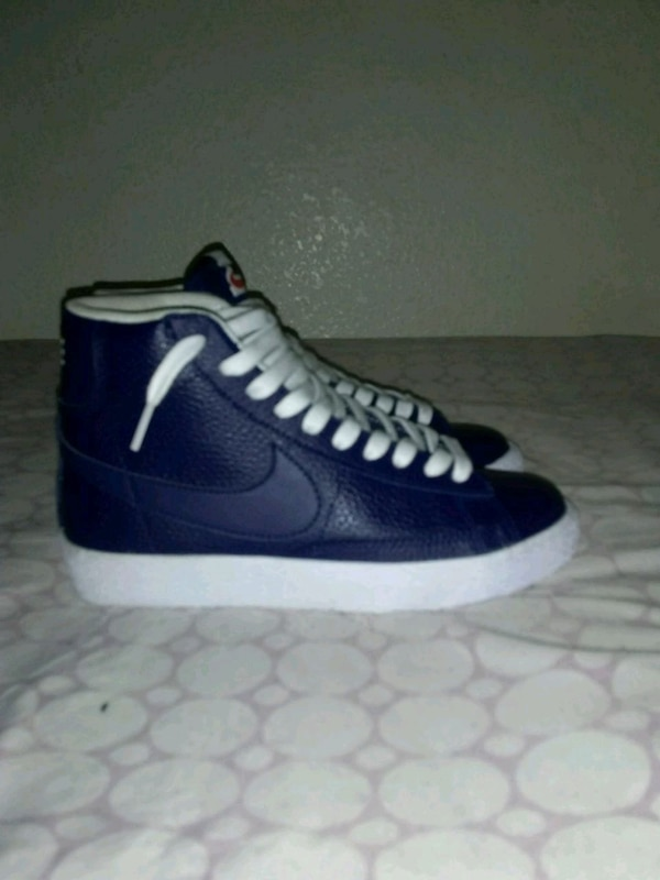 quality design 8721f a1714 white-and-blue Nike Blazer high shoe