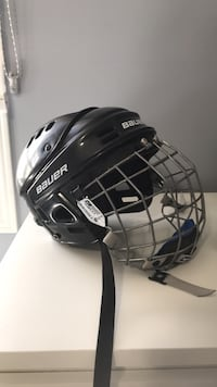 Bauer FM4500 Small Hockey Helmet with cage Mississauga, L5R 1L7