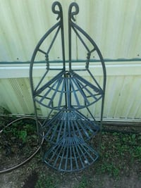 Metal iron plant stand Frederick, 21702