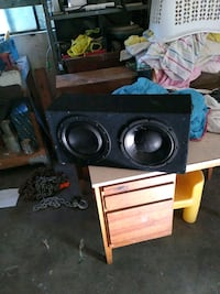 Two 10in speakers in a box Porterville, 93257