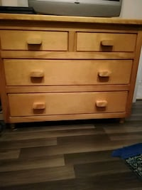 brown wooden 3-drawer chest Laval, H7A 3N5