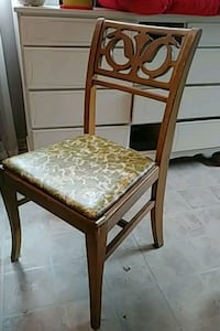 Solid Maple  Table and 4 chairs Fort Erie, L0S 1B0