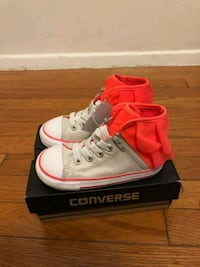 Converse shoes toddler girl sz 8