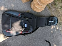 Guitar Case Bradford West Gwillimbury, L3Z 1Y9