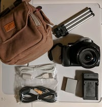 Canon PowerShot SX30 IS Camera with tripod stand and NEW case Queens, 11692