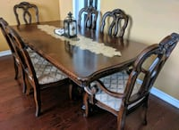 Beautiful solid wood Dining Table with 6 chairs Milton, L9T 6S1