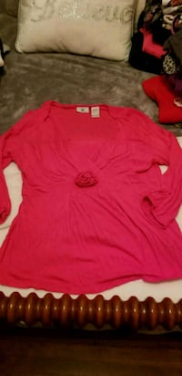 red crew-neck long-sleeved shirt Loveland, 45140