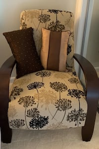 Chair with decorative pillows Melrose, 02176