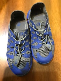 THE NORTH FACE running shoes is size 12 Vancouver, V6K 3B1
