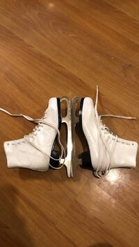 Women's figure skates Winnipeg, R3J 1K9