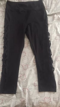 Women's black cropped tights Large  Mississauga, L4T 3T6