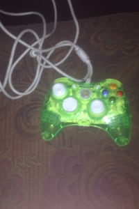 green and black Xbox 360 controller New Iberia, 70560