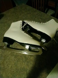 Vintage  Daoust  Ladies Size 7 Leather  Upper Boot Skates , Edmonton, T5E 2T9