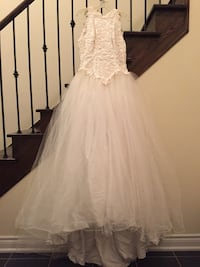 Stunning white wedding gown by gordon size 12 - never worn - reduced Toronto, M4N