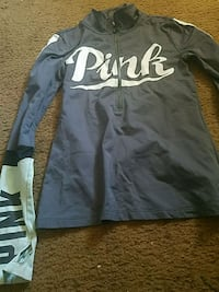 Pink vs pullover  Manchester, 03103