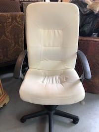 White Office chair . Very comfortable Greenwich
