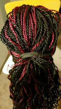 black, red, and green knit cap Silver Spring, 20904