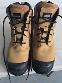 Mens size 10.5 steel toe boots, used once Brampton, L6Z 4T9