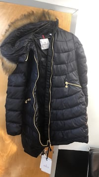 Jacket Moncler Small authentic Gaithersburg, 20879
