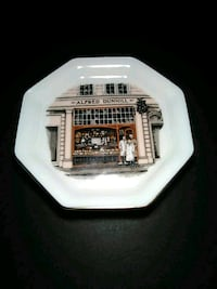 Alfred Dunhill ashtray Calgary, T2A 1L5