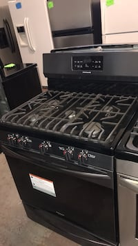 Black and gray gas range oven 4 months warranty Baltimore, 21230
