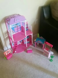 girl's pink and white doll house set Stone Ridge, 20105